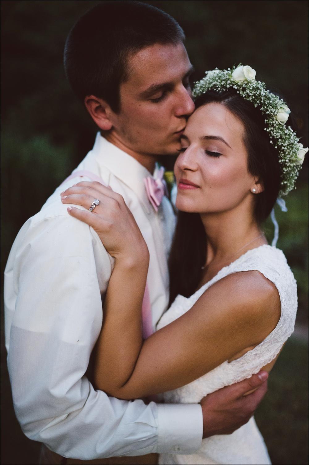Fayetteville-Arkansas-Mount-Sequoyah-Summer-Wedding_0339.jpg