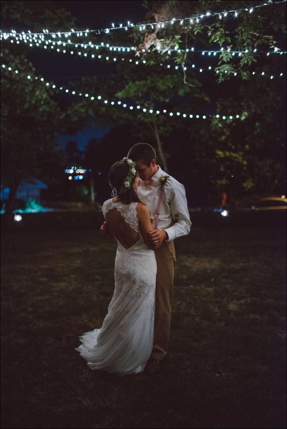 Fayetteville-Arkansas-Mount-Sequoyah-Summer-Wedding_0352.jpg