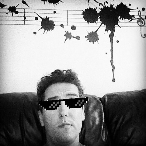 @thomas_j_music thug life in LA. #thuglife #bandlife #notathugatall #fuglife