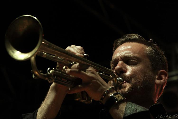 Quentin Collins/Ubuntu Music