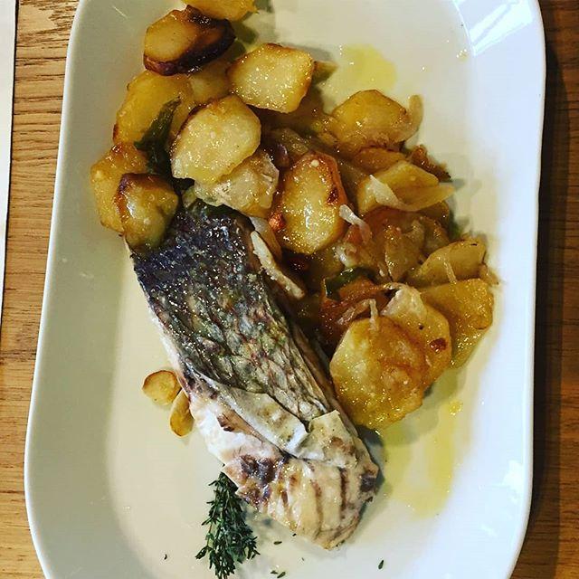 Peixos salvatges, de Mercabarna a la Taverna... #TavernaGuilà  #cuinademercatterrassa  Pic @raquelortizzz