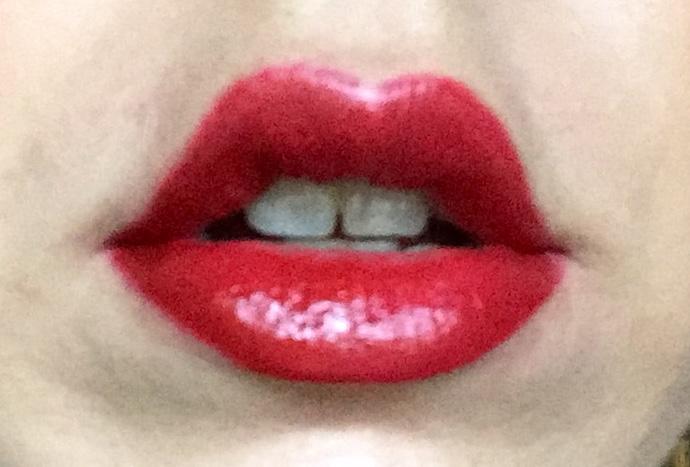Yves Saint Laurent: Rouge Vinyle