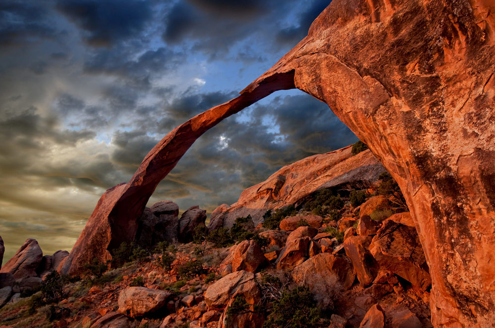 LANDSCAPE ARCH - ARCHES NATIONAL PARK – (PHOTO: DARREN J. BRADLEY/SHUTTERSTOCK)