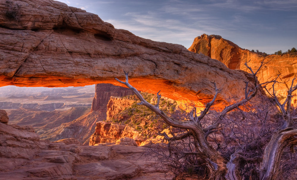 MESA ARCH GLOWS AT SUNRISE