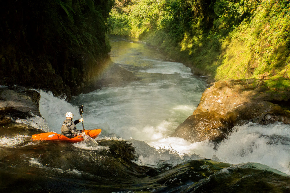 boofing into the Seventh Sister of the Tomata Gorge, Rio Alseseca, photo by Tom Janney