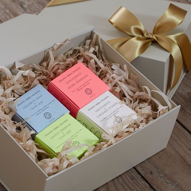 ‪We have a gorgeous range of organic luxury gift hampers‬. This hamper contains our range of organic herbal infusions - other products available. Order for free UK delivery at by-evolve.com - worldwide delivery also available. . #gifthamper #organicgifts #giftidea #gifts #gift #organic #organictea #organicfood #foodlover #christmas #thanksgiving #seasonalgifts #present #presents #ideas #design #beautiful #beautifulgift #worldwide #worldwideshipping #uk #freeukdelivery #freeukshipping #freeukpostage