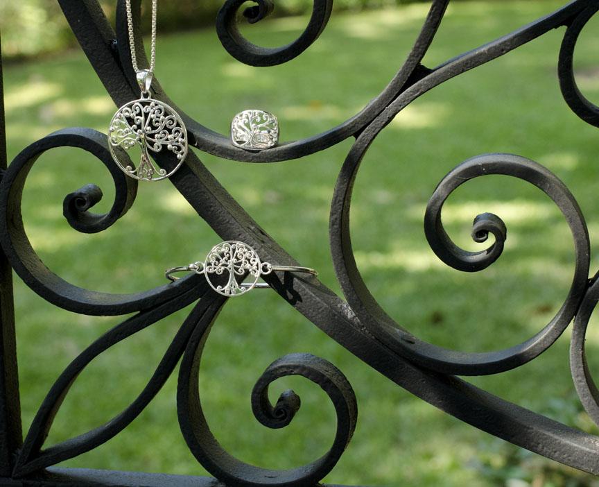 Southern Gates P176 R136 B224.jpg