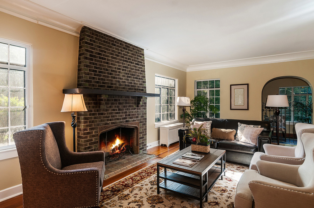 1087632_Large-Living-Room-with-Massive-Fireplace_high.jpg