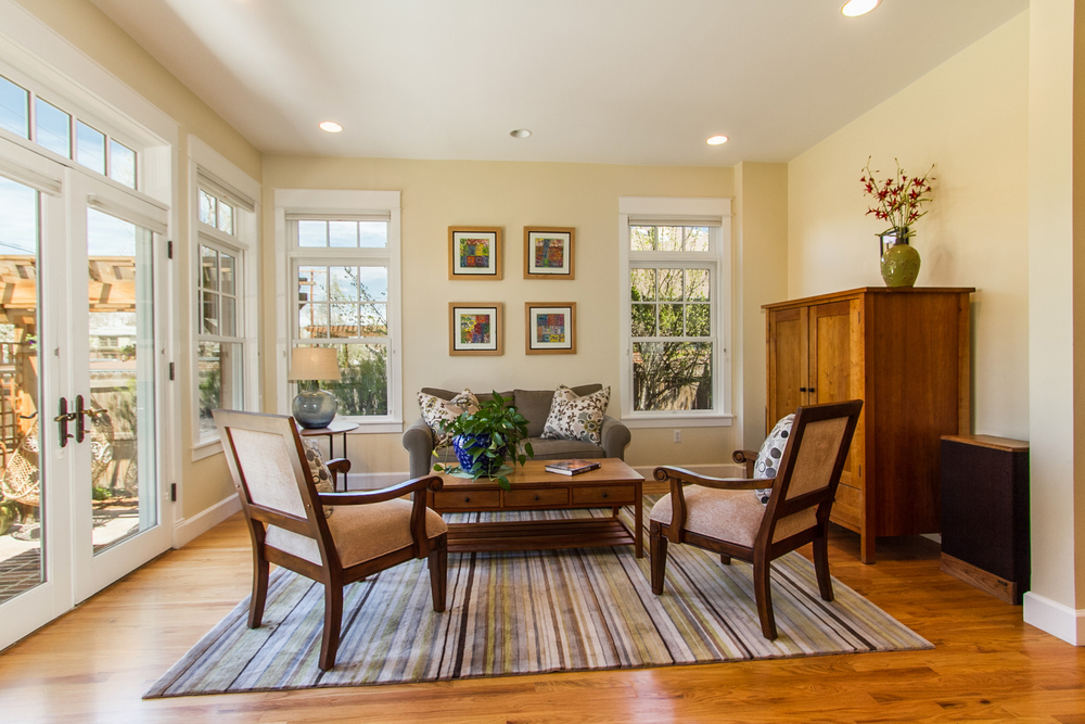 1246080_Oak-Hardwood-Floors-Throughout-Main-Level_high.jpg
