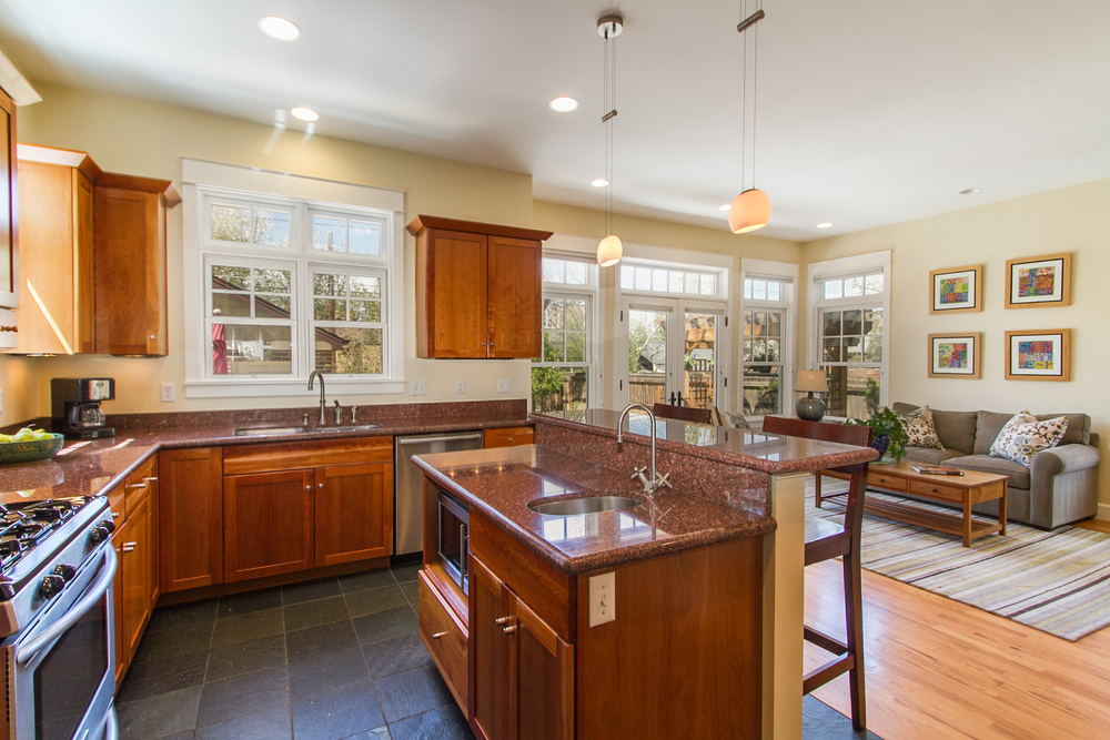 1246085_Kitchen-And-Family-Room_high.jpg