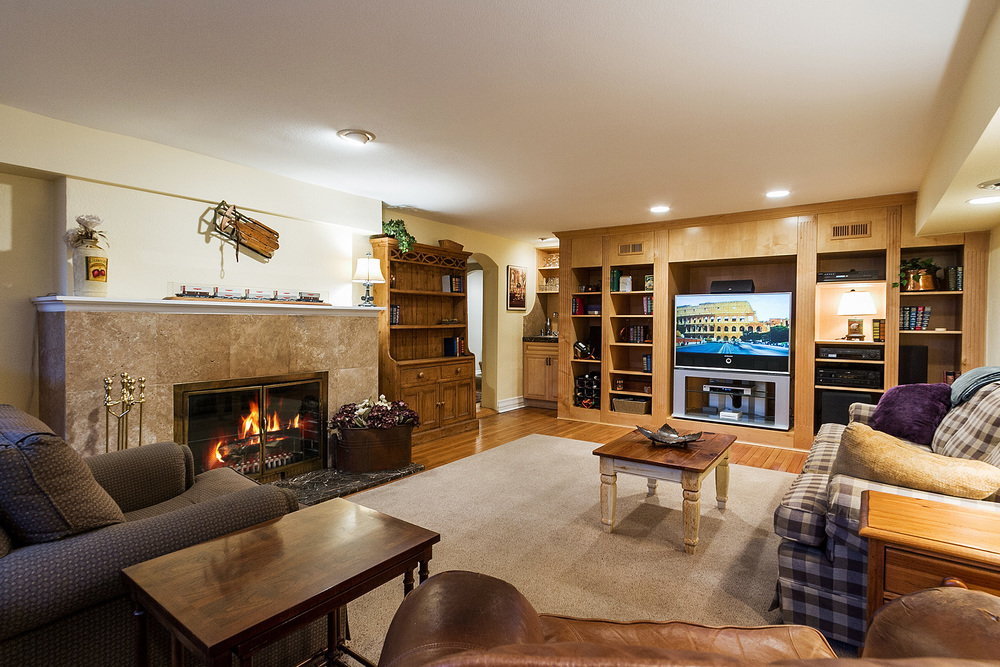 1183156_Basement-Rec-Room--wet-Bar--amp--Media-Cabinets_high.jpg