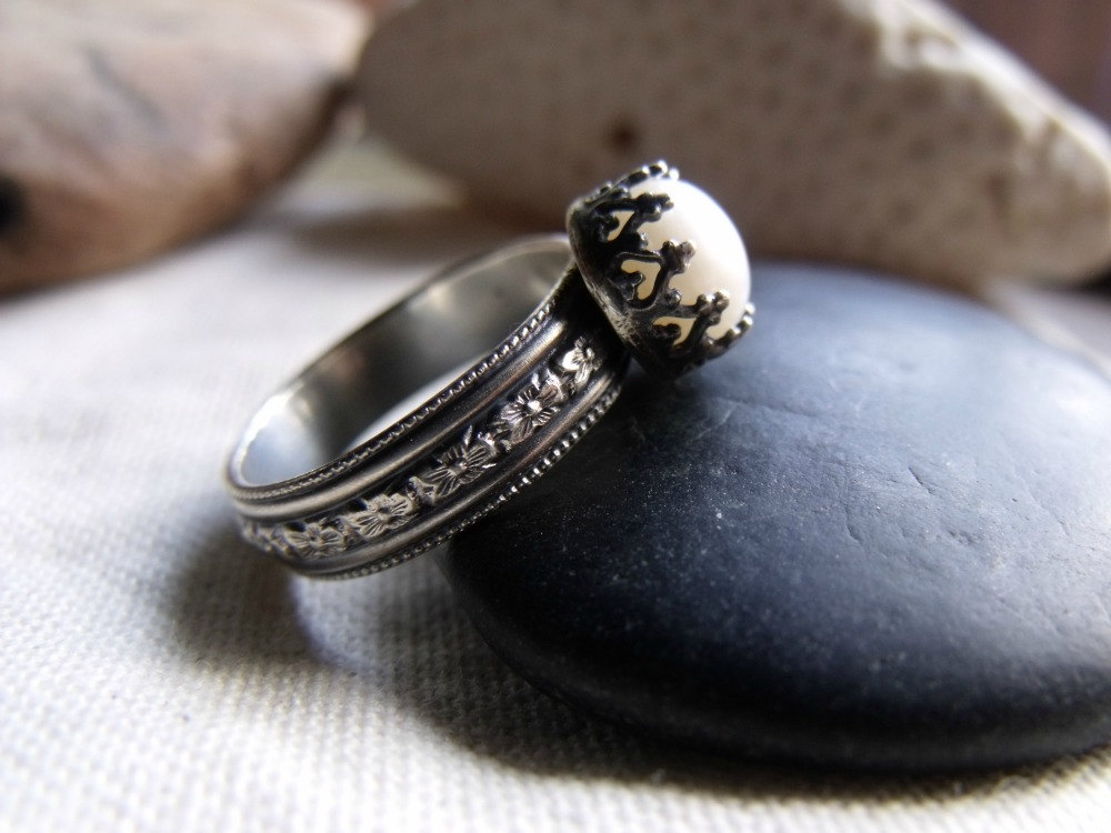 my ring! from etsy, hand make in south lake tahoe, ca (where my older sister was living at the time & didn't make the gathering)