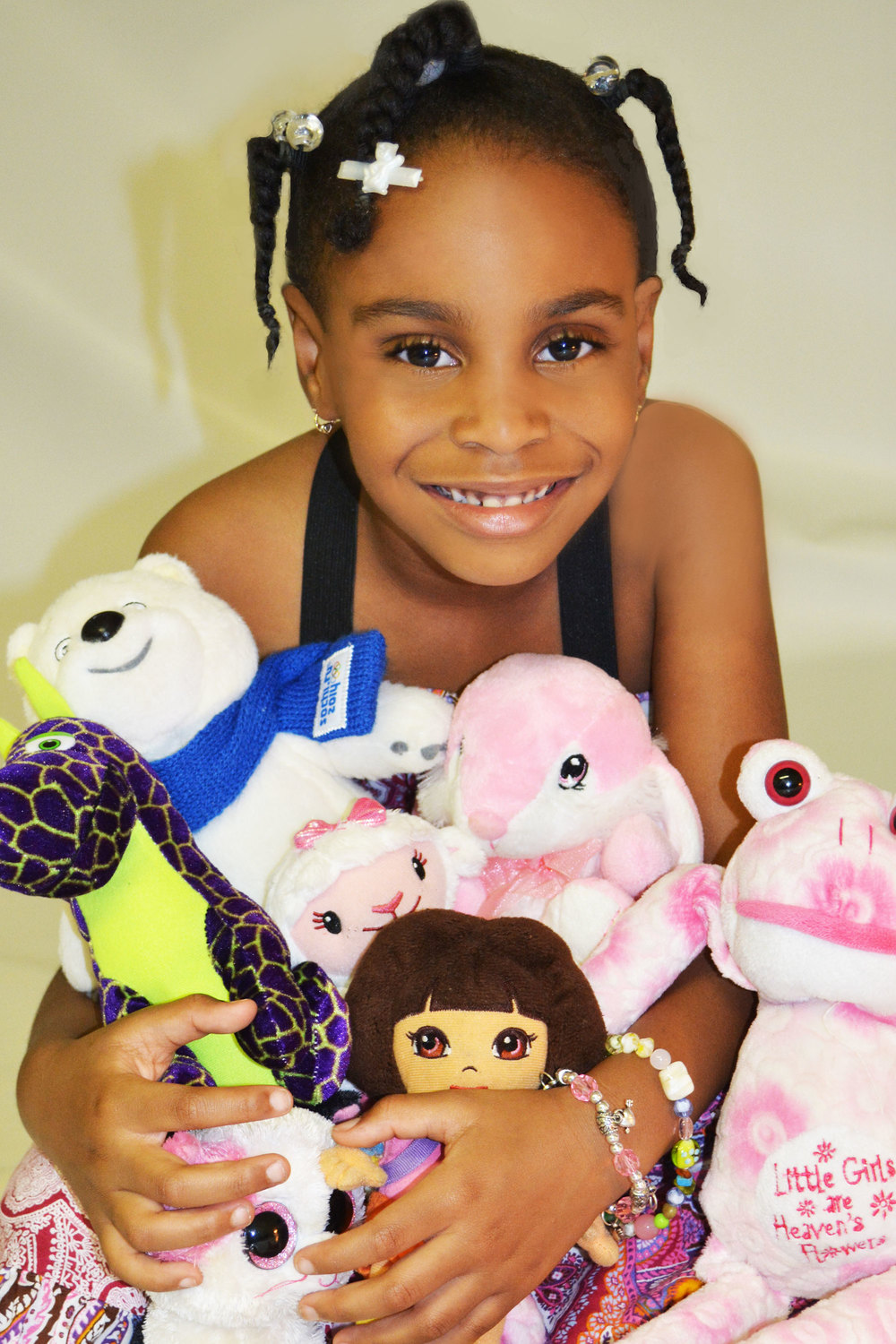 Kierra-with-dolls-1WEB.jpg