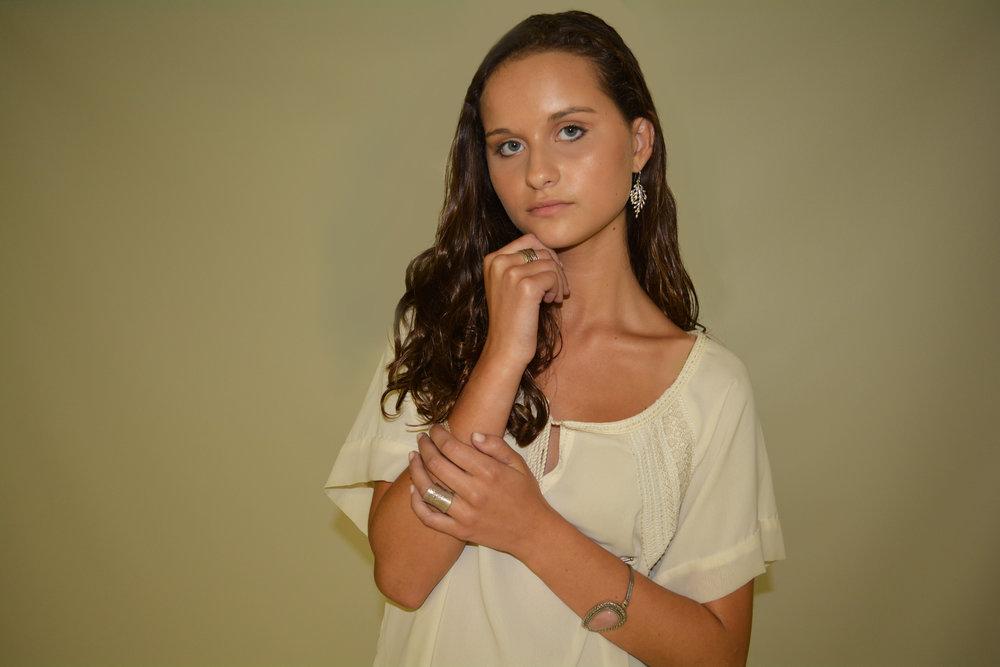 Abby Off white shirt WS_1_edit.jpg