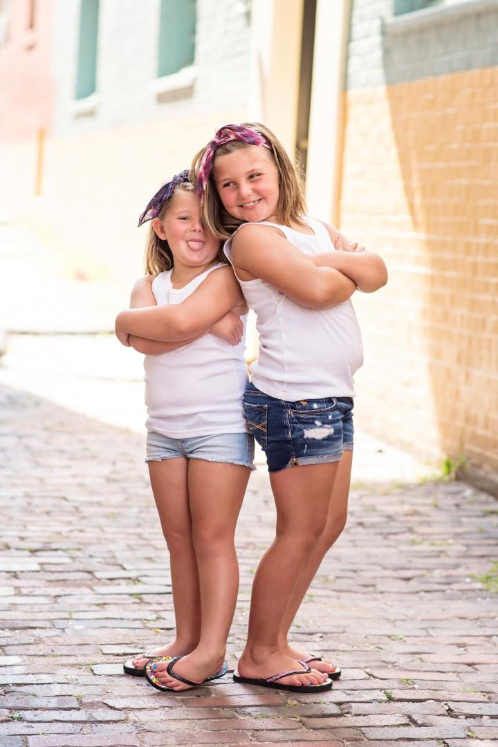 Hunter Sister Sibling Shoot_07 (Large).jpg