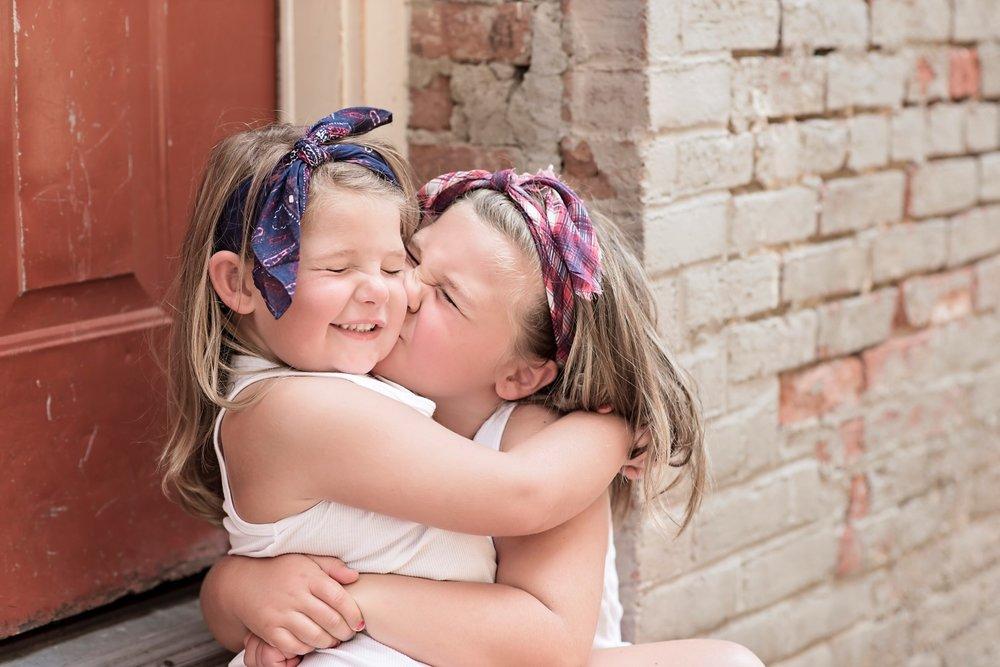 Hunter Sister Sibling Shoot_10 (Large).jpg