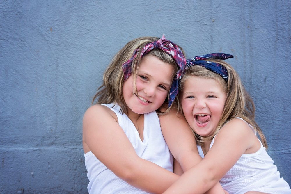 Hunter Sister Sibling Shoot_15 (Large).jpg