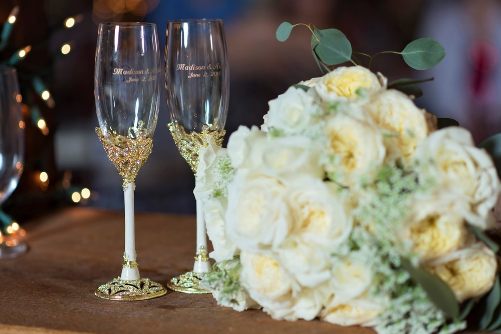 Madison+Austin_Wedding_SneakPeek_39 (Large).jpg