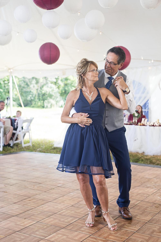 Ruthie+Wayne_Wedding_Sneak_Peek_22.jpg