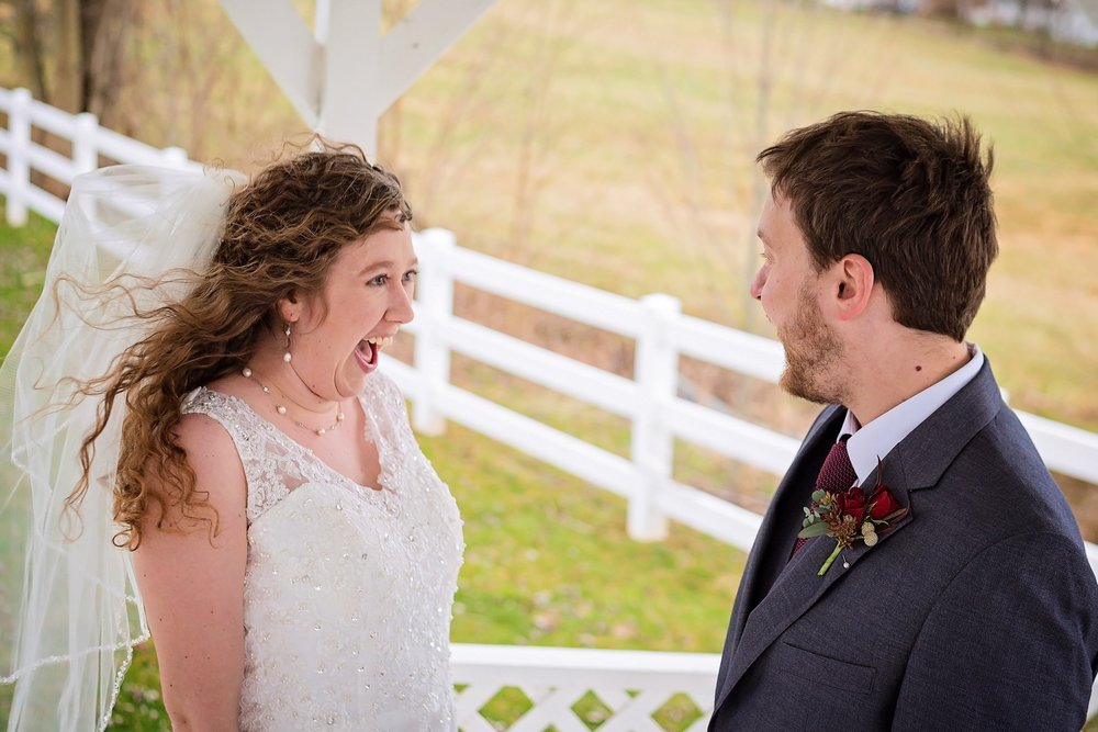 Bates_Roberts_Wedding_SneakPeek_10 (Large).jpg
