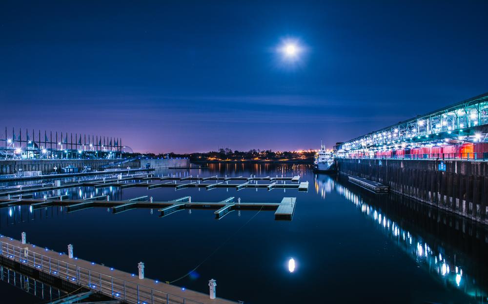 Full_Moon_Pier.jpg