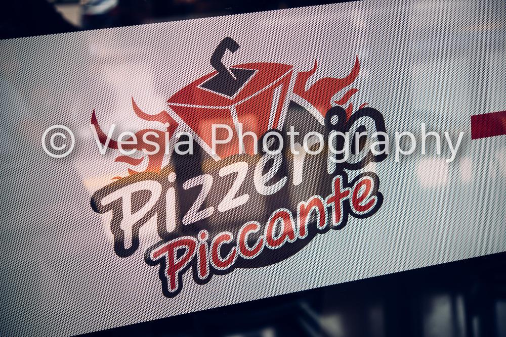 Pizzeria_Piccante_Proofs-1.jpg