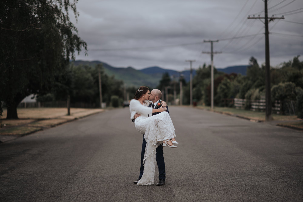 LOVELENSCAPES WEDDING PHOTOGRAPHY • TARUREKA ESTATE WEDDING • ANNA CAMPBELL WINDSOR WEDDING GOWN • FEATHERSTON WEDDING PHOTOGRAPHER • NEW ZEALAND WEDDING PHOTOGRAPHER • MOBILE SIZE • 216.jpg