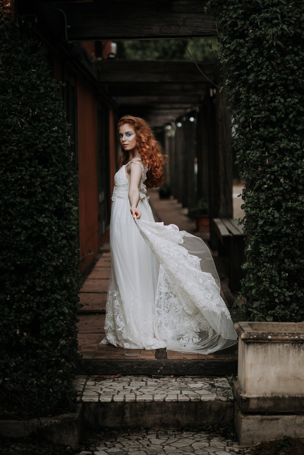 LOVELENSCAPES PHOTOGRAPHY X ANNA CAMPBELL BRIDAL X LEMAE MAKEUP ARTISTRY X BLOOMING LOVELY BOUQUETS X ERIN LIGHTFOOT X LITTLE WHITE COUTURE • 7.jpg