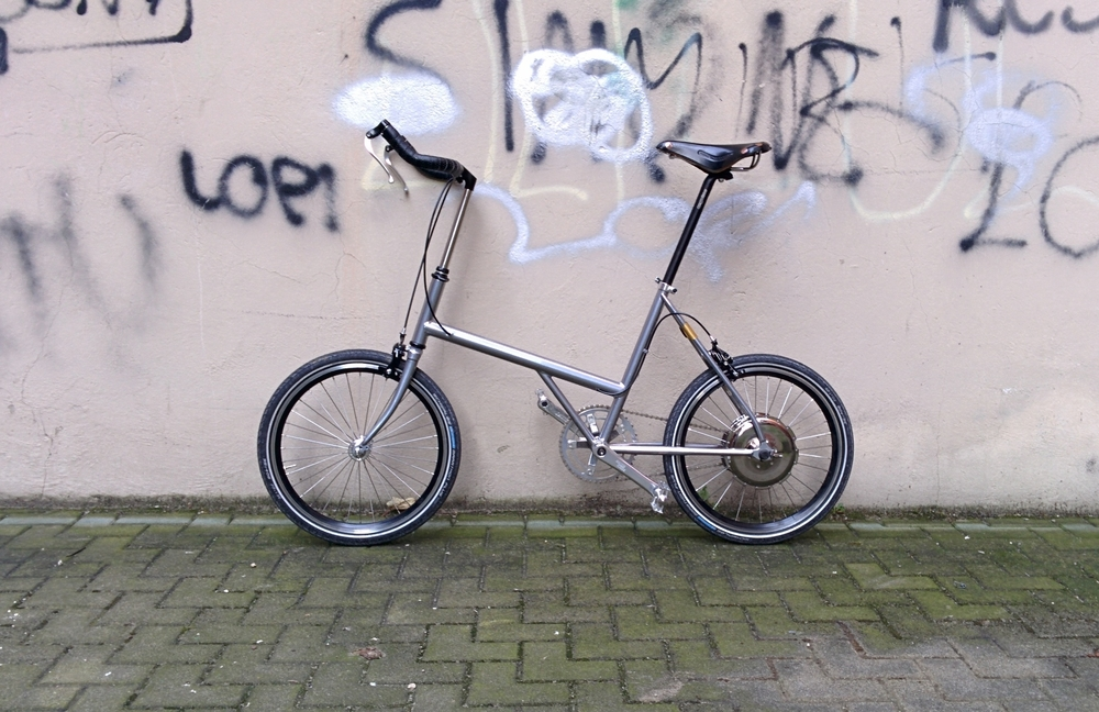 Vrum e-bikes are the synthesis of advanced technology, Italian design and bike craftsmanship.