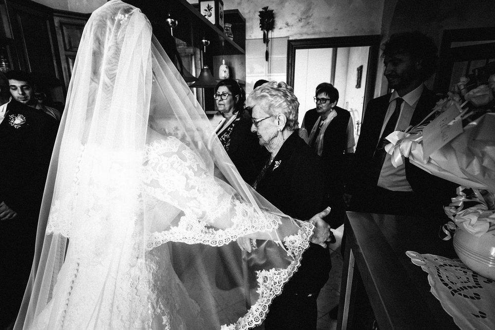 240 - Preparazione sposa - C&F.jpg