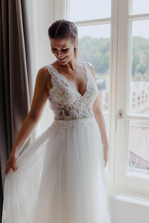 057 - Preparazione sposa.jpg