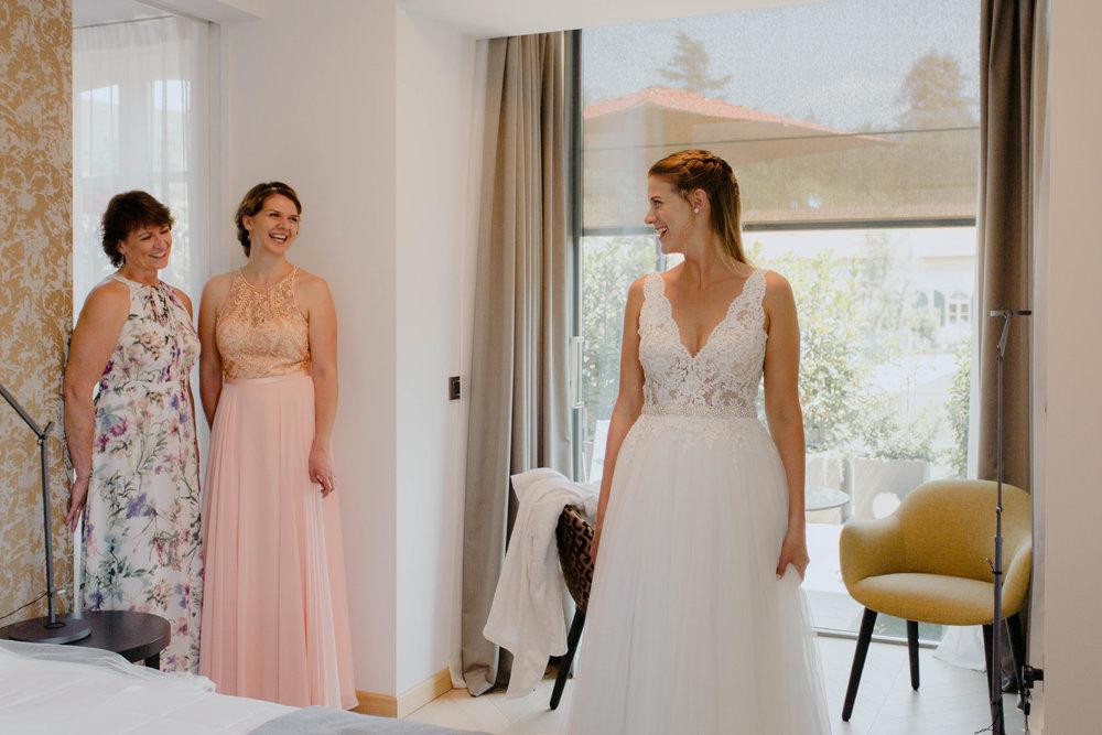 072 - Preparazione sposa.jpg