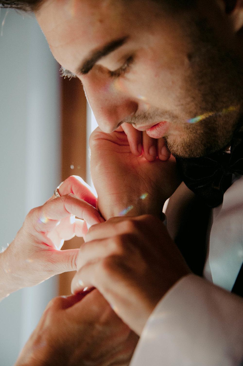 084 - Preparazione sposo.JPG