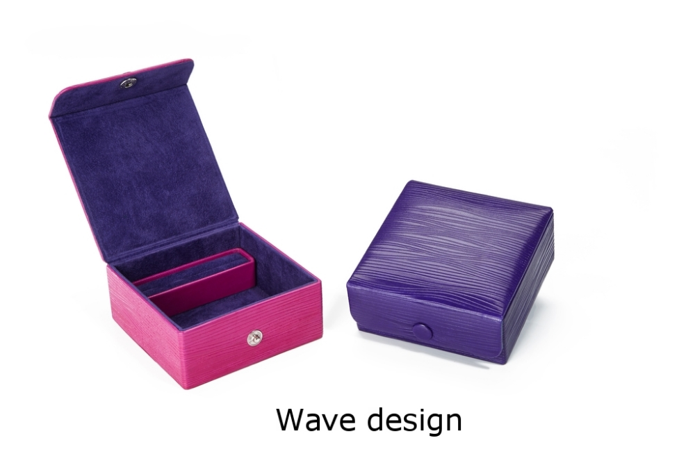 Square Box with stud closure Wave.jpg