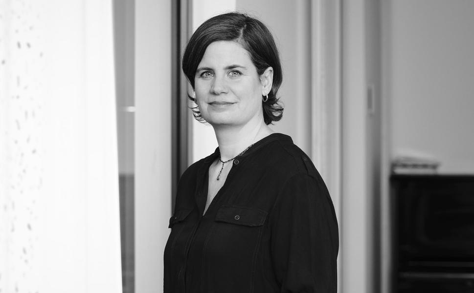 Julia Naumann, Agence France-Presse, Journalistin, Pressesprecherin, Amnesty International, taz