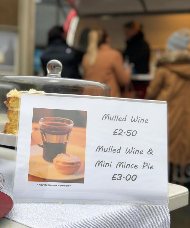 Mulled wine available at #Warwick market every weekend up to & including December 23rd 🎄🍷