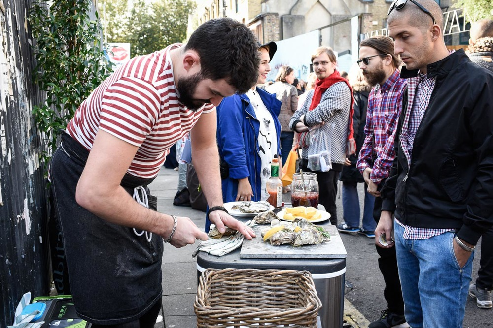 Oysters on the street outside Printers & Stationers on market day | Photo Credit: Find. Eat. Drink.