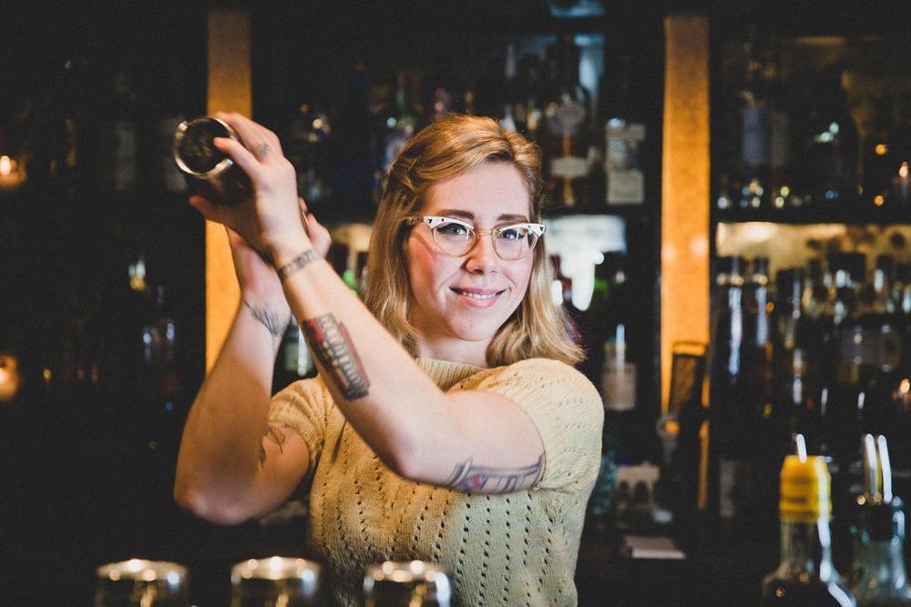 Bartender Sara Justice | Photo Credit:Neal Santos