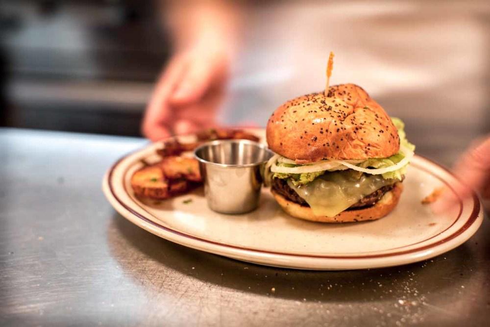 burger-1024x682-2.jpg