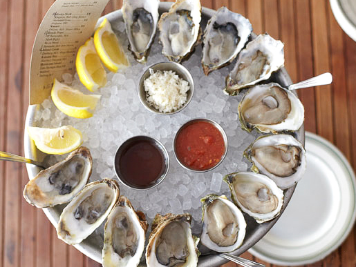 L & E Oyster Bar | Photo Credit: Sidney Bensimon
