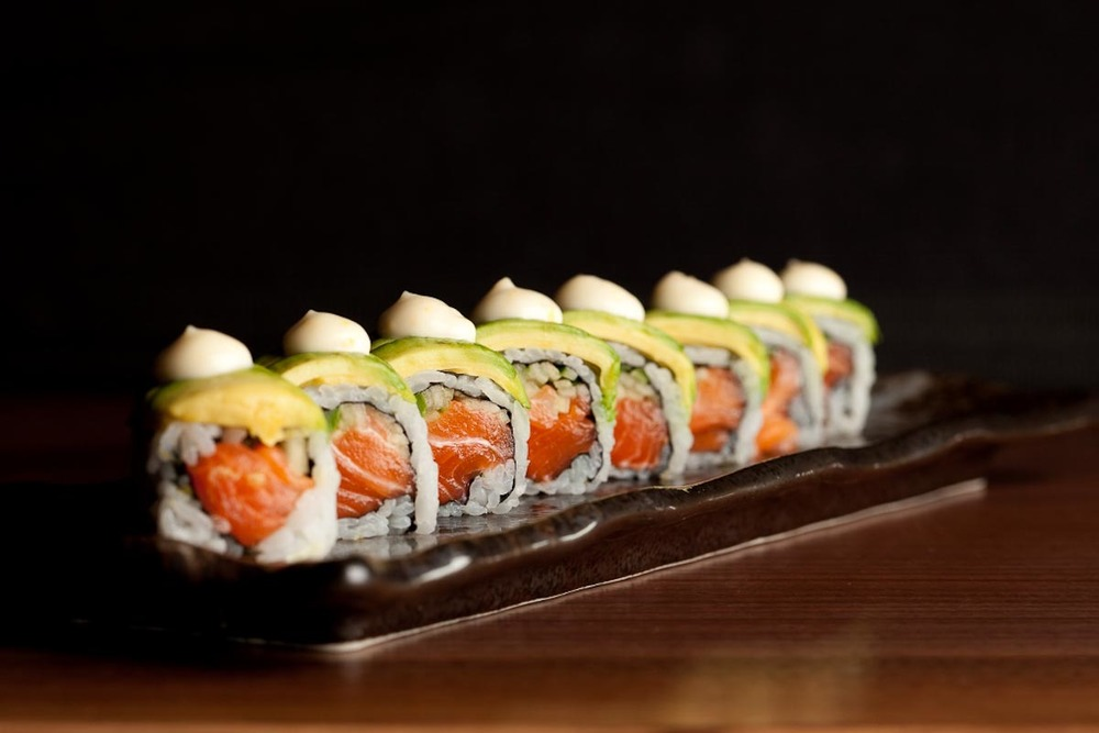 Salmon Avocado Maki (1024x688)-2.jpg
