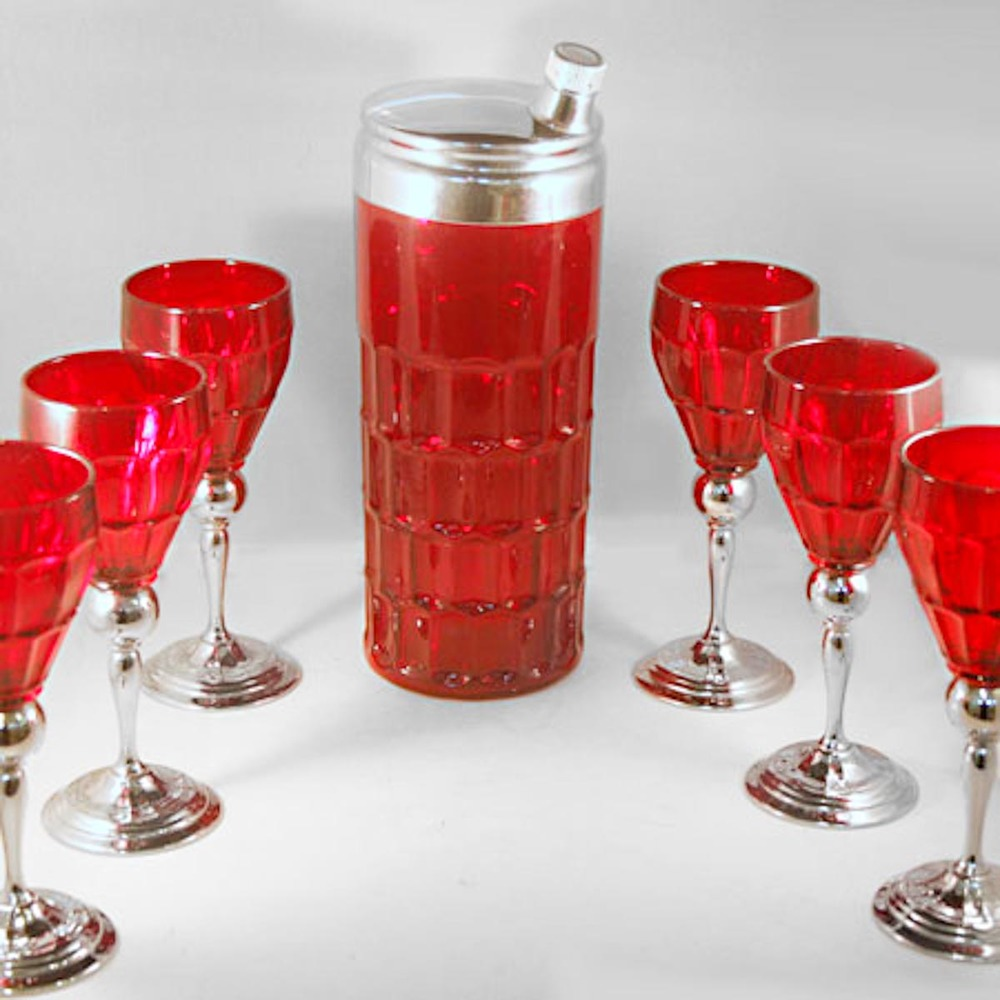 red_honeycomb_shaker_set-2.jpg