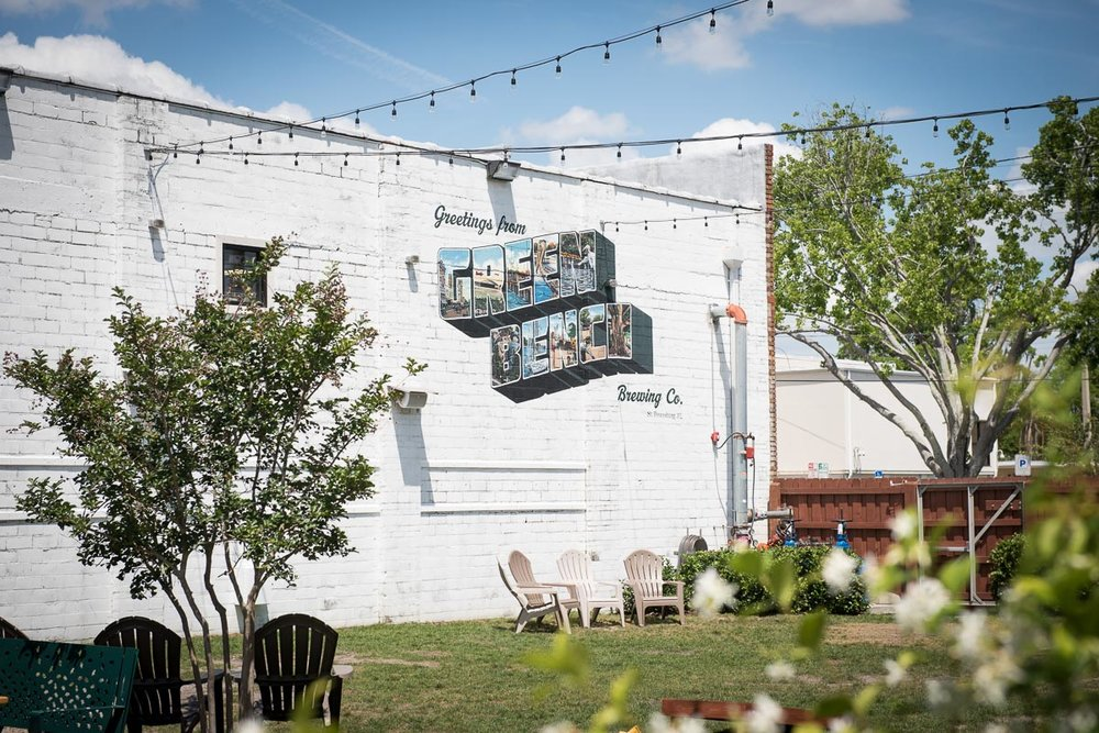Beer and Relaxation at Green Bench Brewing Co. | Photo Credit: ©Find. Eat. Drink.