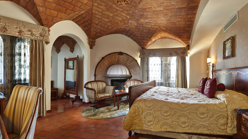 HOTEL FORTALEZA DO GUINCHO   fortalezadoguinho.pt  5 *****
