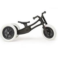 En løbecykel er perfekt til de små, der har lært at gå. Denne fra Wishbone er lavet igenbrugs materialer.