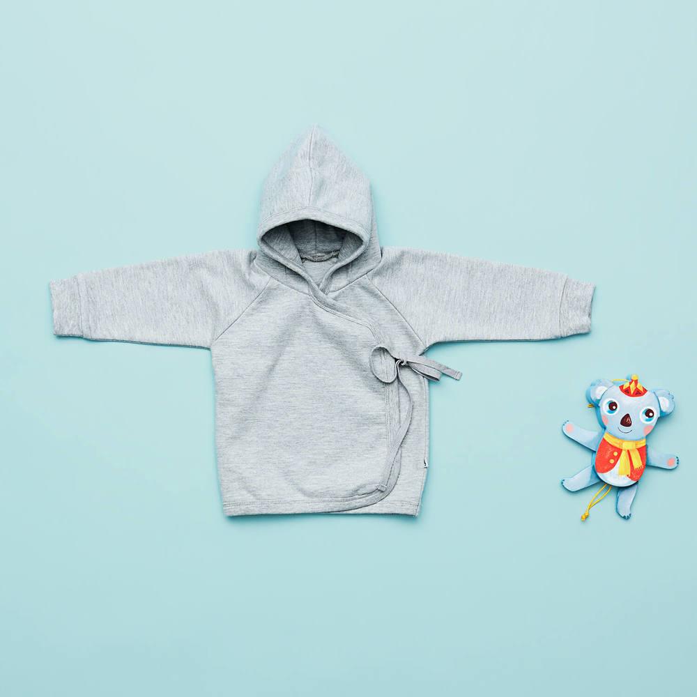 En af favoritterne til drenge i størrelse 62 er denne lækre sweat cardigan med bindebånd.