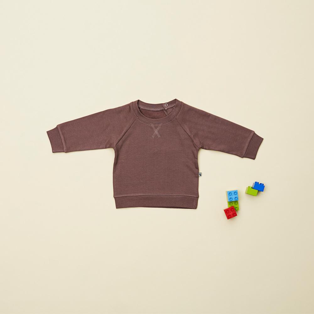En favorit til drengene i størrelse 80, er denne retro inspirerede sweatshirt.