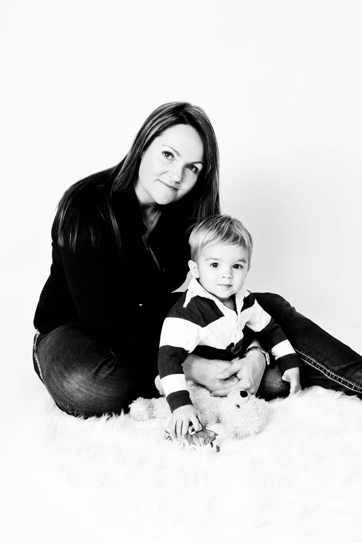 Fotostudio fotoinitiative Mannheim Familienshooting Fotoshooting Fotografin Jaytee Van Stean Heidelberg Ludwigshafen-10.jpg