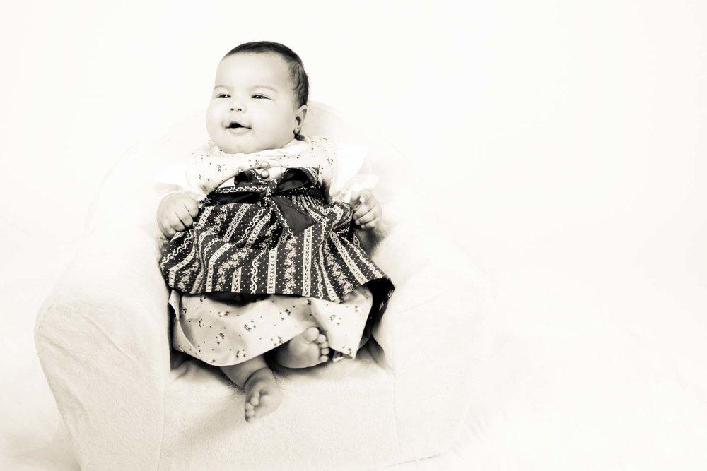 Fotostudio fotoinitiative Baby Babies Neugeborenen Kinder Kids Fotoshooting Fotografin Jaytee Van Stean Mannheim Heidelberg Ludwigshafen-8.jpg