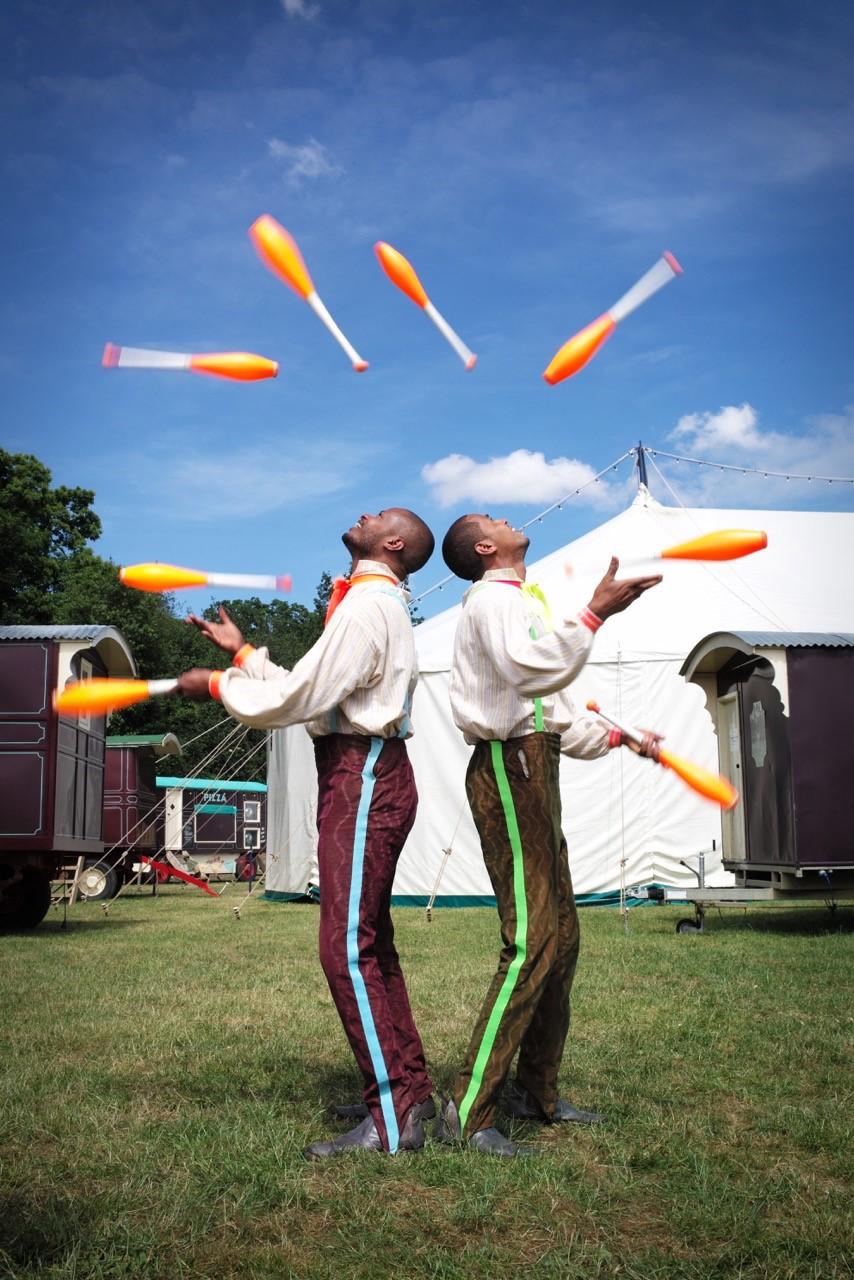 B&B juggling.jpg